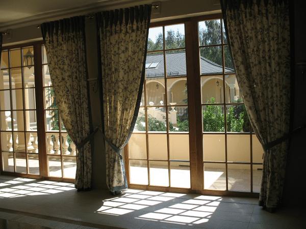 Podstawowe zasady dekorowania okien